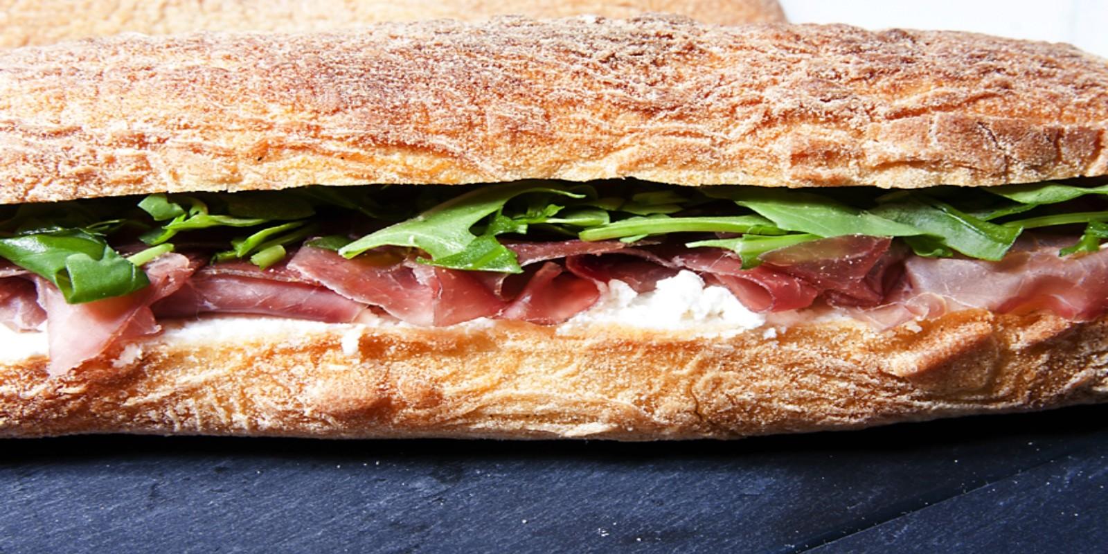 Street food trieste trieste panini ciabatte cotto di for Mangiare vicino al giardino di ninfa