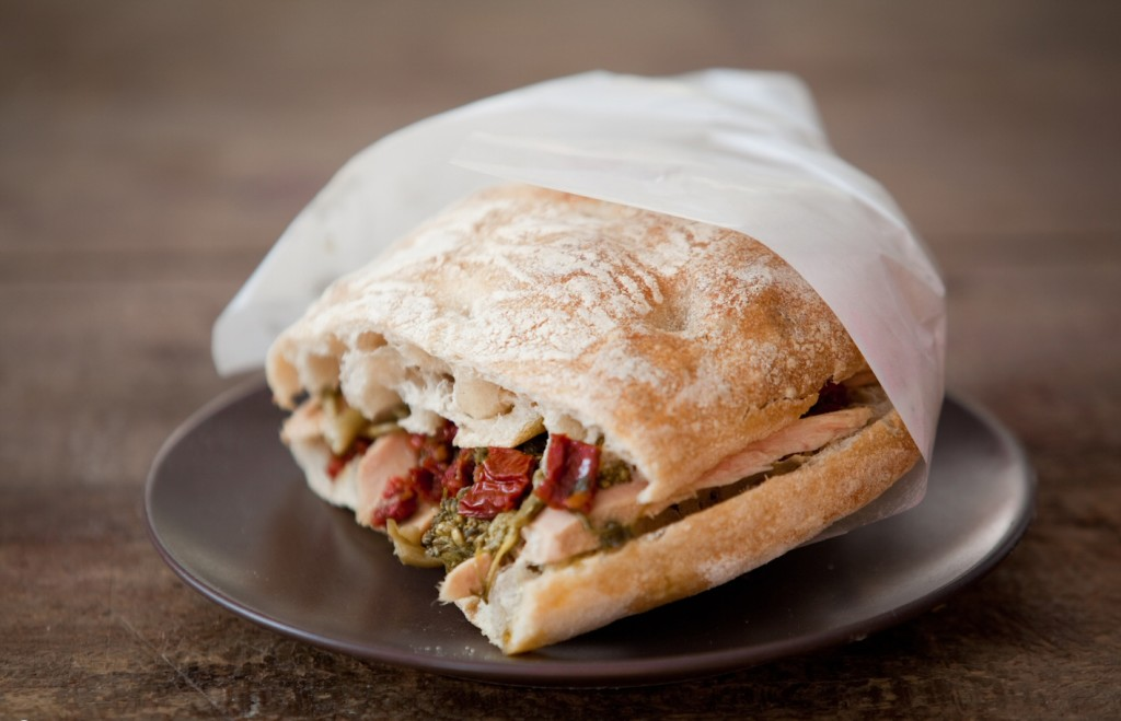 Ino, Firenze - panino filetto tonno, pecorino alle erbe, pomodori secchi