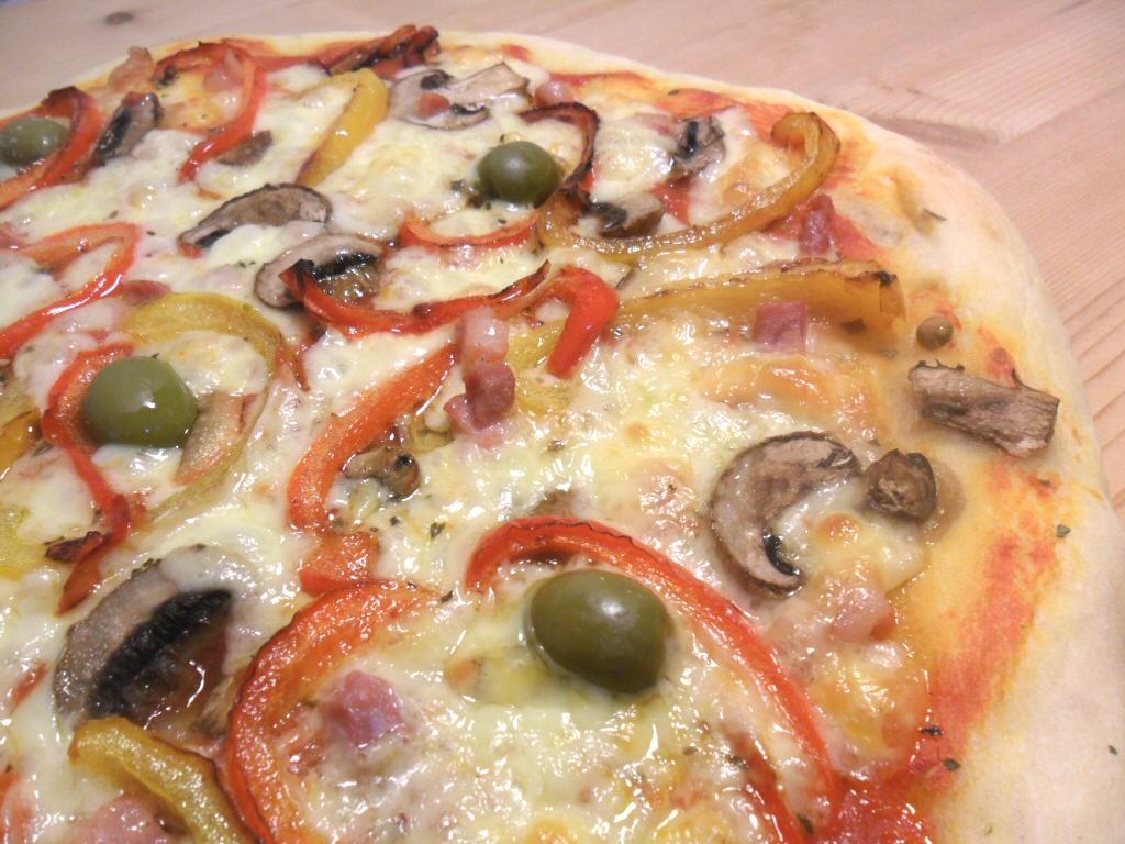 Eredi Palazzo, Campobasso - pizza peperoni olive funghi