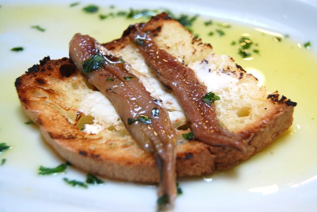 Pane e Coccos, Cetara, Salerno - pane burro e alici